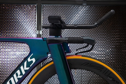Велосипед для триатлона Specialized S-Works Shiv Disc Di2 Limited (2019) / Хамелеон